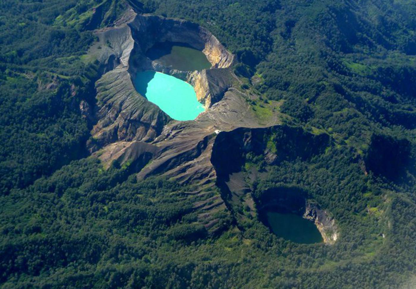 Kelimutu-Lake-Indonesia-3