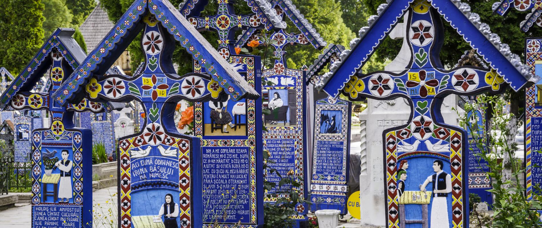 Cimitirul Vesel, il luogo di sepoltura più colorato e allegro del mondo