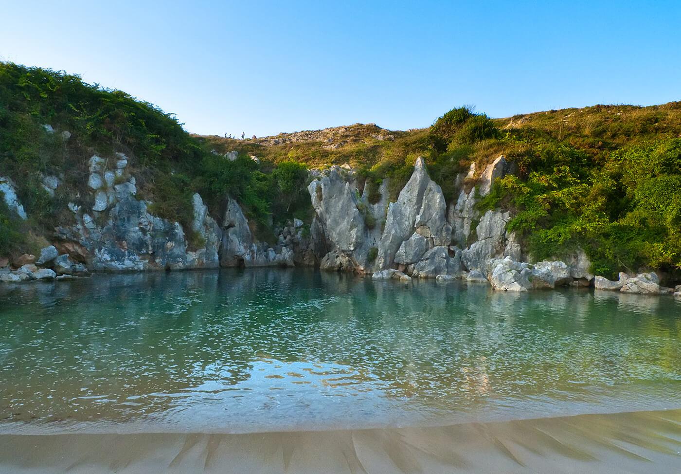 Playa-de-Gulpiyuri-Spagna
