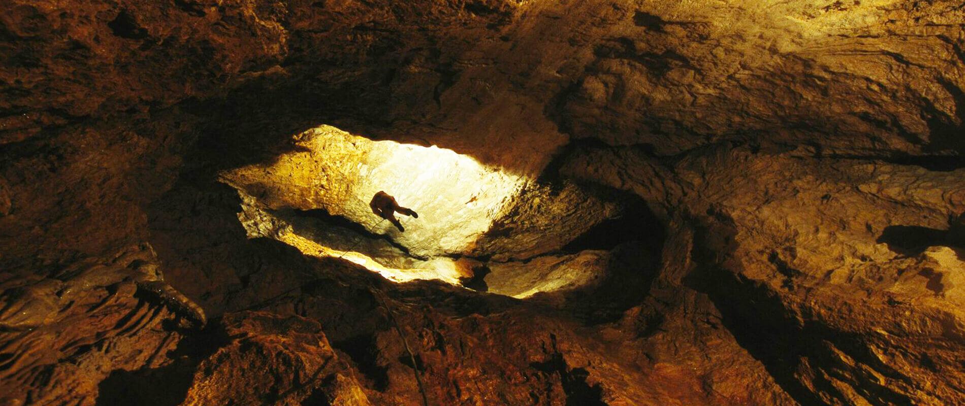 Grotta Krubera, l'abisso più profondo del mondo