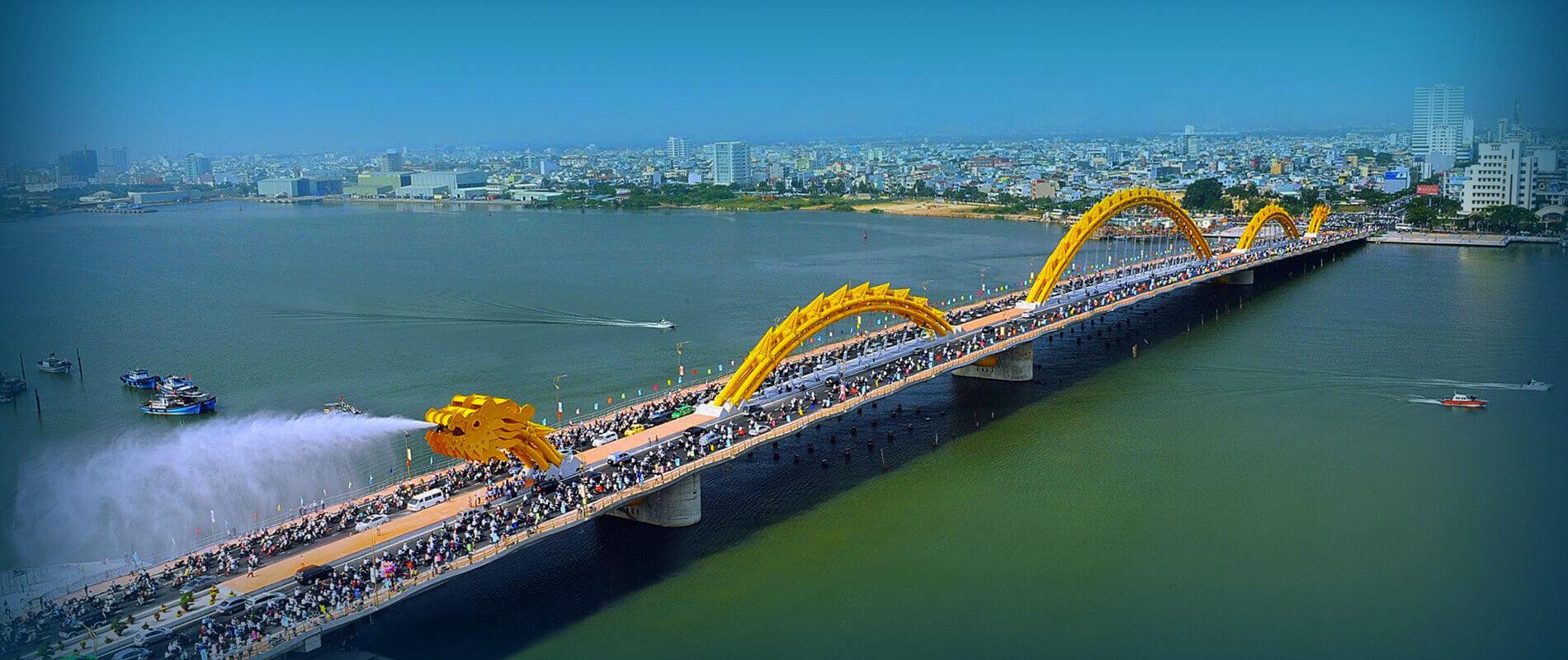Explore Dragon Bridge in Da Nang City - Water Spraying