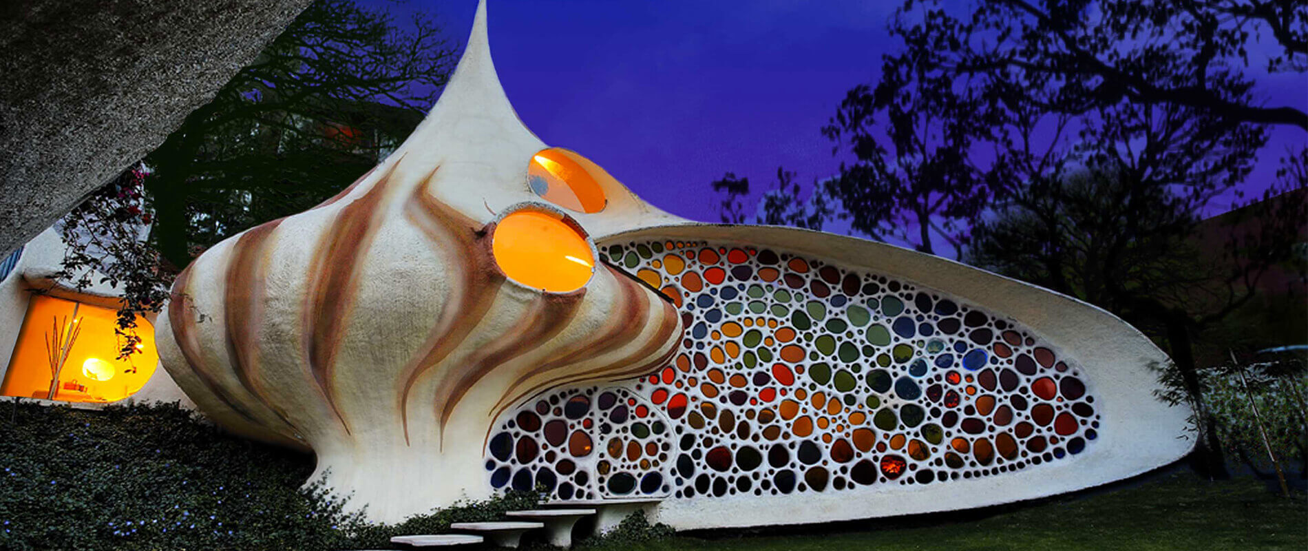 Nautilus House, the Spectacular Shell-Shaped House