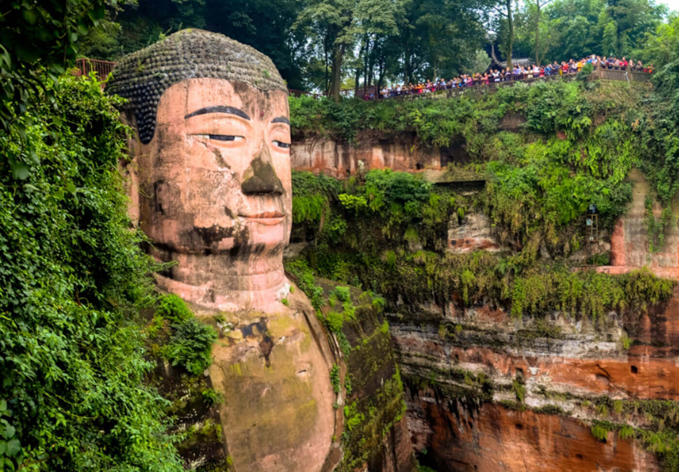 Buddha-di-Leshan-Cina-2