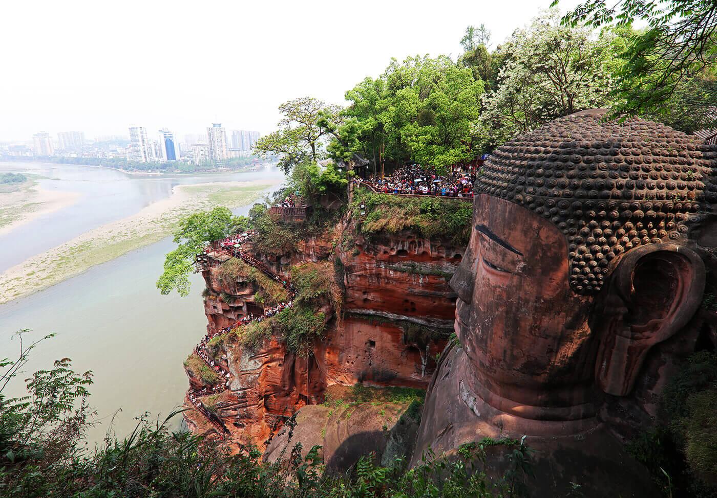 Buddha-di-Leshan-Cina-4