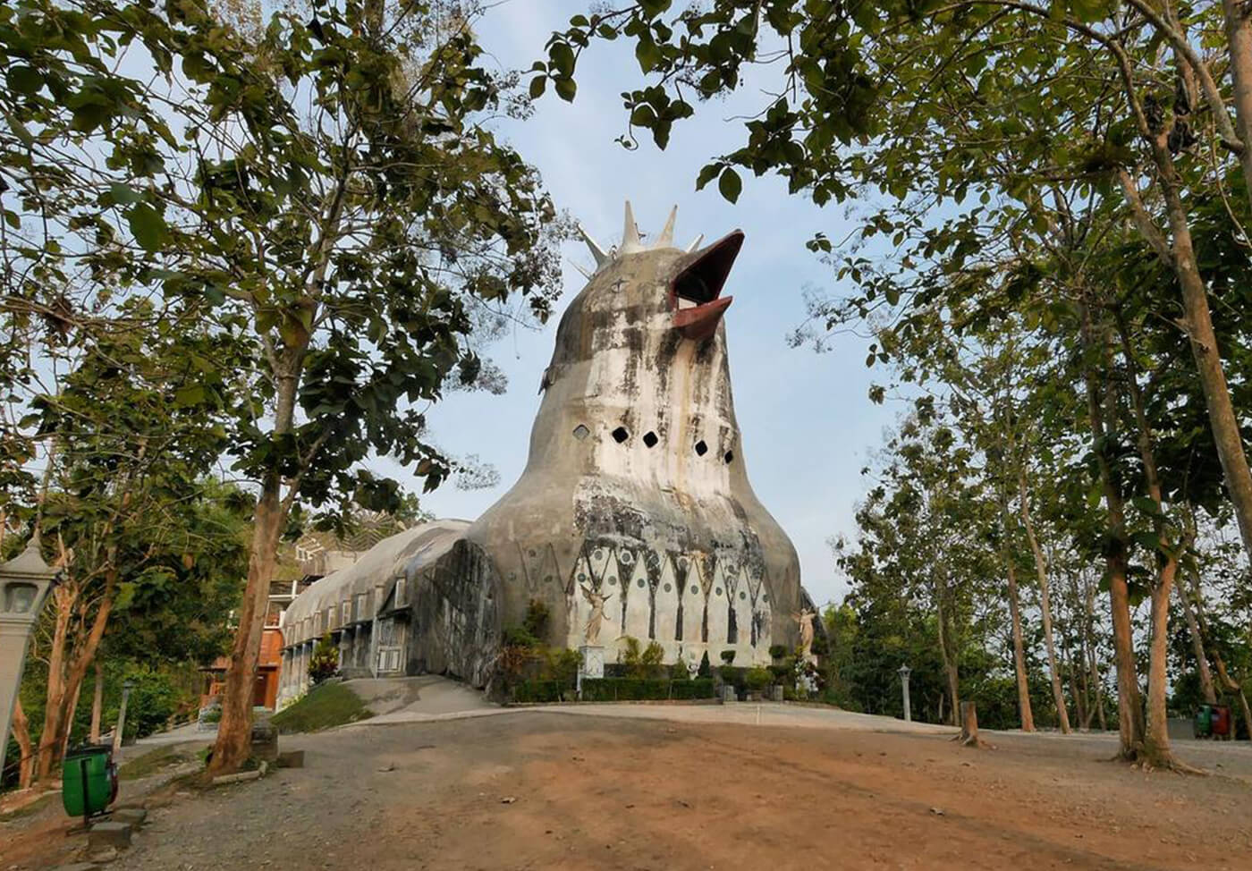 Gereja-Ayam-Indonesia4