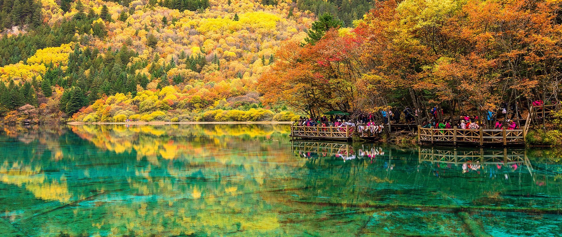 The Lake of Five Flowers, a mirror of water in one of the most beautiful places in the world