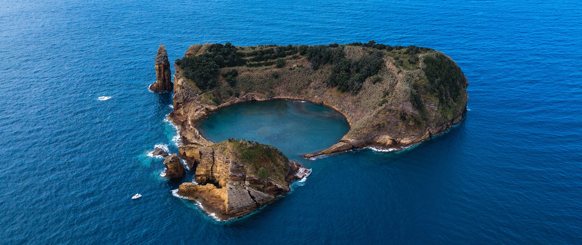 Ilhéu de Vila Franca do Campo, the enchanting islet of the Azores archipelago