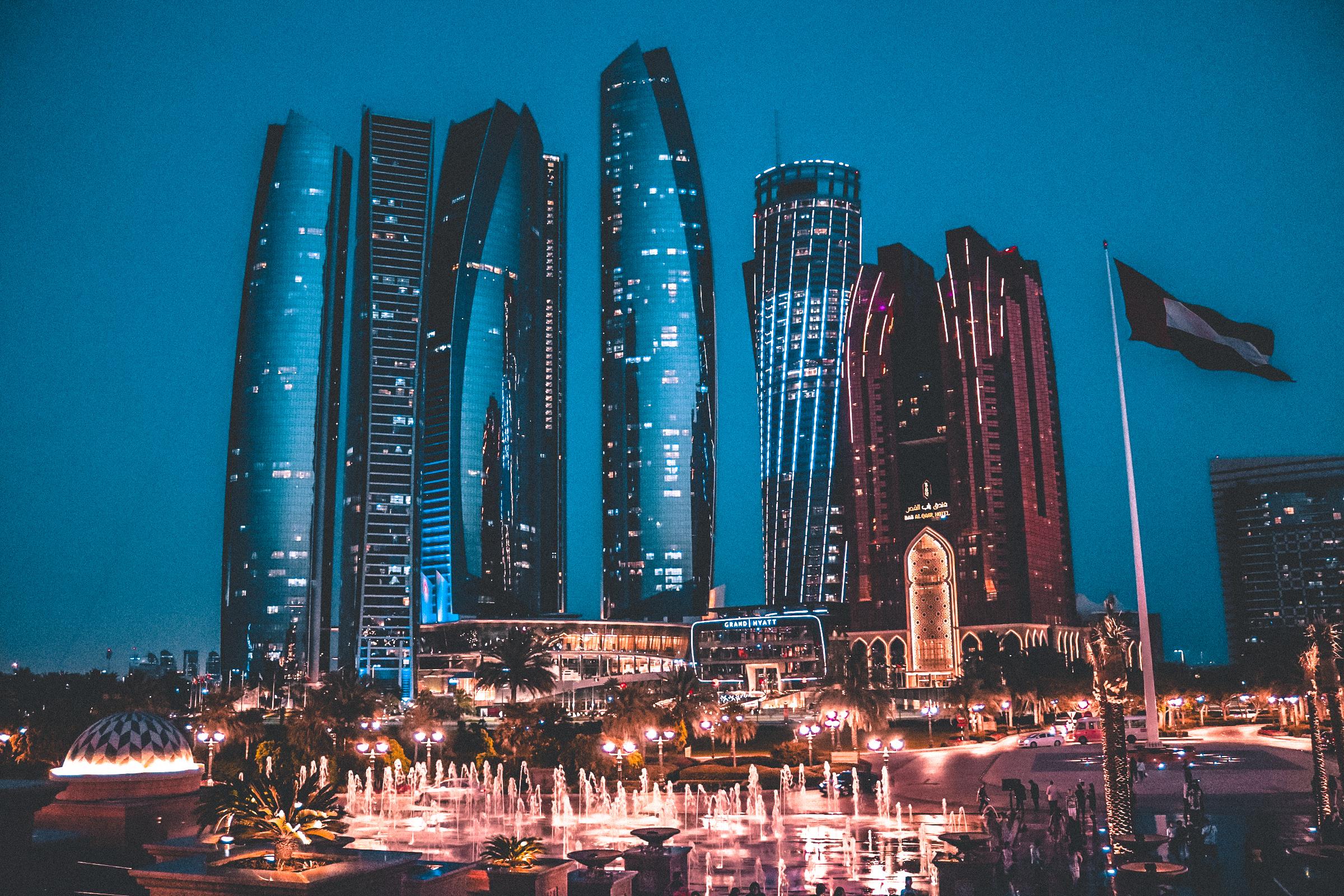 Dubai & Abu Dhabi: le metropoli sospese tra presente e futuro