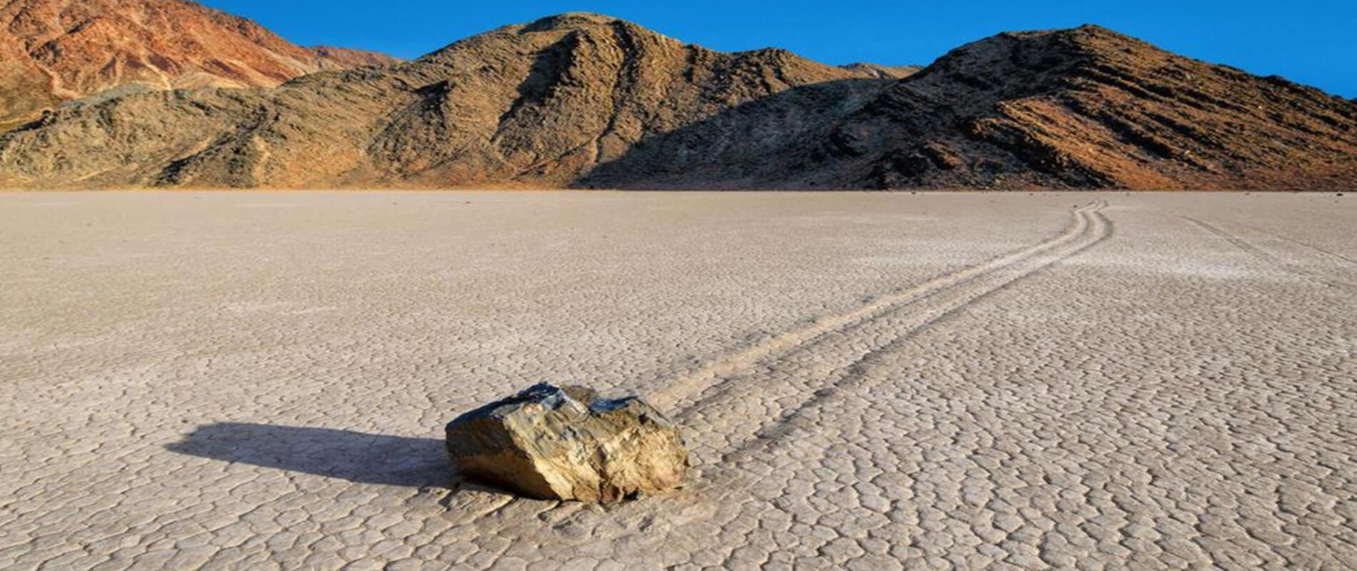 Racetrack Playa, le misteriose pietre mobili della Death Valley
