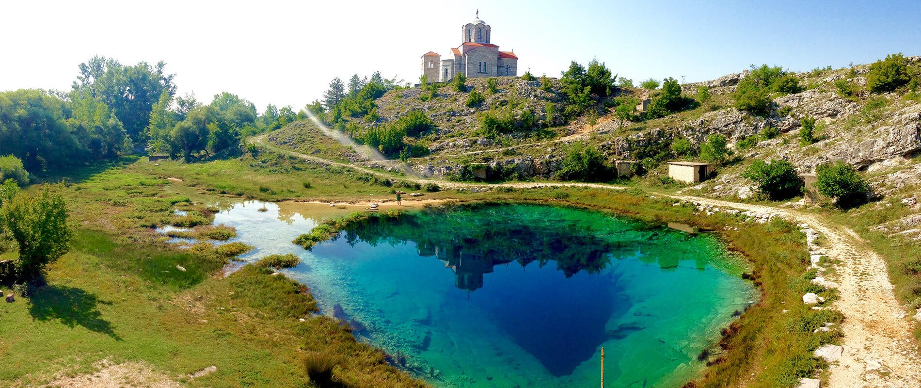 L'occhio della terra, la sorgente del fiume di Cetina in Croazia