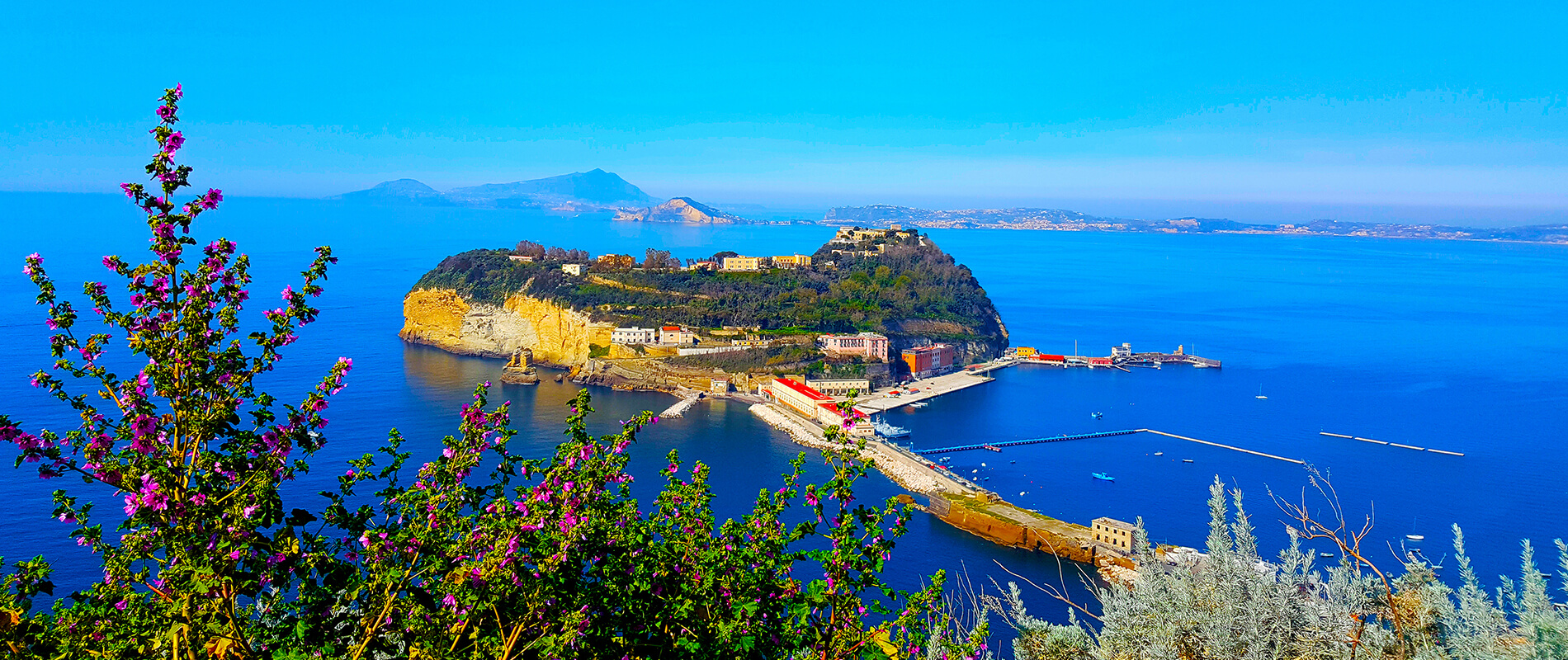 L'Isola di Nisida, l'inavvicinabile perla del Golfo di Napoli